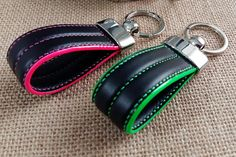 Genuine leather keychain for man/woman. Personalized keyring. 100% hand made in Italy. Gift for him. Black leather key chain. Key ring. Great gift idea for new house. Genuine leather personalizable keychain for men and women. Great gift idea for buying new home, Christmas or any other