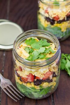 Taco salad in a jar! Easy to whip up and bring to work.