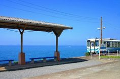 旅に出よう、海を見よう。目の前に海が広がる日本の絶景駅10選   RETRIP[リトリップ]
