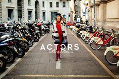 Плыть против течения – однозначно то дело, которое требует уверенности и смелости. Мы знаем, что ничто так не способствует смелым и дерзким решениям, как комфортный и стильный look! А это мы берем на себя #actors #actorsfur #streetfashion #furstyle #look #mode #style #styles #fashionstyle #fashionworld #мехакиев #шубакиев #mifur2018 #fur2018 #fashionista Fashion Week 2018, Milan Fashion