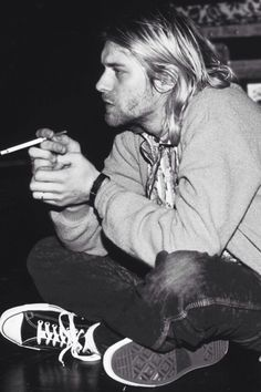 Kurt Cobain was best known as the lead singer and guitarist of Nirvana and for… Rock And Roll, Rock N, Punk Rock, Nirvana Kurt Cobain, Kurt Cobain Film, Kurt Cobain Style, Beatles, Eddie Vedder, Kurt Tattoo