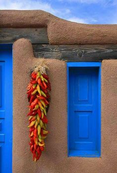 Taos, New Mexico; photo by Klaus Priebe. This is NEW Mexico culture at its best. Really enjoyed the beauty of this place. New Mexico Usa, New Mexico Style, Taos New Mexico, New Mexico Homes, Mexico Blue, Southwestern Home, Southwestern Decorating, Southwest Decor, Southwest Style