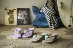 【ELLEgirl】誕生石をモチーフにしたビーチサンダルでハッピーな夏を!|エル・ガール・オンライン