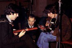 Afbeeldingsresultaat voor george martin of the beatles Liverpool, George Harrison, Sir George Martin, Original Beatles, Richard Starkey, The Yardbirds, The White Album, Beatles Love, Cinema