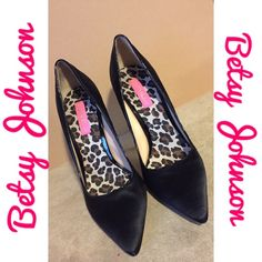 Betsy Johnson Black Satin 4.5 in Pump Heels Sz 8.5 Gently used but in great condition. Black Sabrina no a size 8.5 with leopard print detail on inside bottom. Open to offers or bundling. Betsey Johnson Shoes Heels