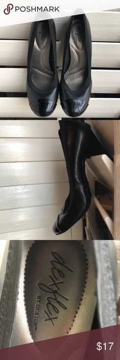 Dexter heels with cushioned sole Black heels with cushion sole! Minor scuffs on toe and heel of right shoe, but in great condition! Dexter Shoes Heels