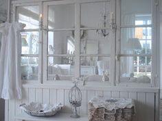 Schwanennest: Alte Fenster....