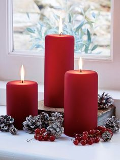 These uber-velvety, deep red matte colour coated candles, will add a truly stylish touch to any setting!