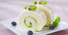 Recette de Gâteau roulé au kiwi et chocolat blanc. Facile et rapide à réaliser, goûteuse et diététique. Ingrédients, préparation et recettes associées.