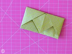 We didn't just hand these letters to each other willy nilly, we found creative ways to fold them up. Learn how to fold a letter into a pull tab note! Paper Oragami, Paper Crafts Origami, Origami Easy, 3d Paper, Fold Paper Into Envelope, Origami Letter, Letter Folding, Paper Folding, How To Fold Notes