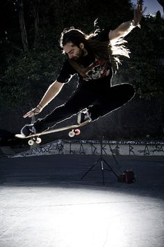 Chris Haslam - epic skater and beard grower Longboarding, Wakeboarding, Bmx, Chris Haslam, Skateboard Pictures, Skate And Destroy, Skate Art, Skateboards, Surfing