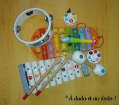 Le jeu du chef d'orchestre se met en place même sans matériel et il stimule les capacités d'écoute et de concentration de l'enfant