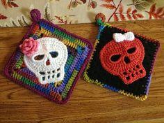 Crochet Sugar Skull Potholders. Free Pattern.