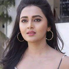 Raat Ke Andhere Me - Beautiful Shayari Broken Heart Shayari, Heart Touching Shayari, Love Sms, Romantic Shayari, Shayari In Hindi, Good Night Quotes, Love Is Sweet, Beautiful