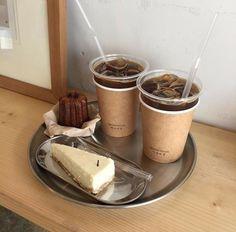 coffee americano cafe expresso latte milk tea latte tiramisu dessert sweet yummy tasty cafe milk shake milkshake ice coffe aesthetic food foodie foodies milky drink pastel soft r o s i e