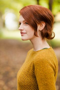 Carpino lace-front pullover from Brooklyn Tweed Brooklyn Tweed, Sweater Knitting Patterns, Hand Knitting, Knit Sweaters, Knit Jumpers, Knitting Machine, Knitting Ideas, Knitting Yarn, Style Feminin
