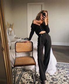 Travel Outfit Summer Street Style January 17 2020 at fashion-inspo Tokyo Fashion, Indie Fashion, New York Fashion, Look Fashion, Urban Fashion, Urban Street Style Fashion, Fashion 2020, Curvy Fashion, Fashion Design