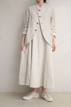 VC 1060 <br> sleeveless formal dress