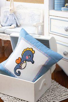 Almofadas infantis em ponto russo / DIY, Craft, Upcycle