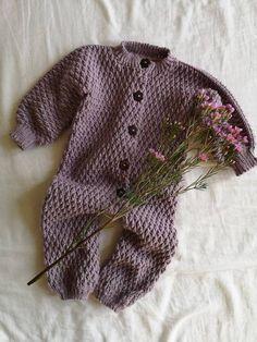 Mini Me Jakken – HviedsVerden Baby Knitting Patterns, Crochet Patterns, Crochet Hooks, Knit Crochet, Baby Barn, Crochet Baby Clothes, Crochet Accessories, Kids And Parenting, Kids Outfits