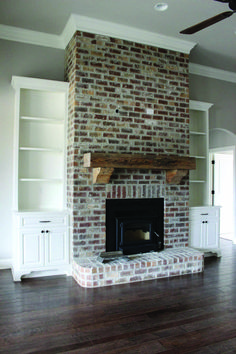 Good Pic Brick Fireplace with built ins Thoughts It often makes sense in order to bypass the remodel! In lieu of pulling out the out of date brick fireplace , save money White Wash Brick Fireplace, Brick Fireplace Makeover, Fireplace Built Ins, Farmhouse Fireplace, Home Fireplace, Fireplace Remodel, Living Room With Fireplace, Fireplace Design, Home Living Room