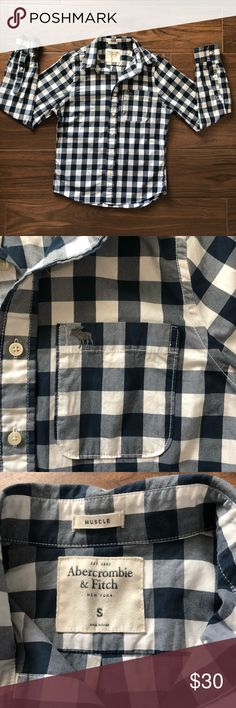 Men's Abercrombie and Fitch Gingham Button Down 100% cotton. Slight tear in the back but in otherwise great condition. Abercrombie & Fitch Shirts Casual Button Down Shirts