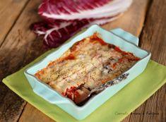 La parmigiana di radicchio è una ricetta semplice e velocissima da preparare, gustosa e vegetariana conquisterà anche i palati più esigenti. Lasagna, Buffet, Ethnic Recipes, Food, Vegetarian, Fantasy, Lasagne, Buffets, Meals