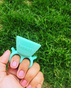 Tweexy Wearable Nail Polish Holder: Review