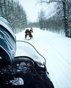 Freezing race  #aspen #snow #travel #traveling #photography #travelismybusiness #photo #snowmobile