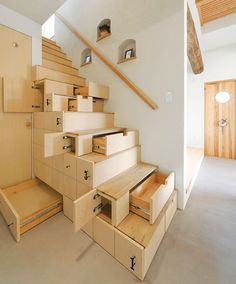 Stunning interior design ideas that will take your house to another level: Space-Saving Stairs Staircase Storage, Stair Storage, Stair Shelves, Hidden Storage, Stair Drawers, Extra Storage, Staircase Ideas, Secret Storage, Grand Staircase