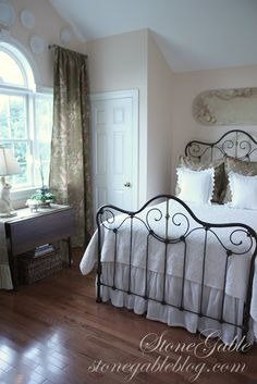 Black Iron Bed With White Linens, Neutral And Romantic. Country Cottage  Bedroom, Cottage