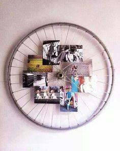 Bicycle wheel photo holder