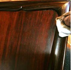 17-02-21 古い硯箱 ( 5 ) (坂根龍我 作品 紹介№322 )  古物硯箱直し さて、あれから3回程漆を摺り込み、ようやく最初の磨き。 蓋を磨く。 顔がうつるくらいに磨く。 で、また3回ほど漆を摺り込む。 この記事は彦根市の漆の工芸家、坂根龍我さんの了解をいただき、F.B.投稿を紹介させていただいています F.B.にアカウントのある方はこちらから直接ご覧になれます。 さて、あれから3回程漆を摺り込み、ようやく... | Facebook 坂根さんの作品blogは目次にも使えるピンタレストに入れてあります。いつでもどれでもお好みの作品を楽しんでください。 ---------------------------------- 《食⇔体をもっと知ろう》の一望は w…
