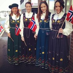 alveland #bunad #alvelandbunader #karendrakt #jærbunad Folk Costume, Costumes, Global Village, Tag Photo, Traditional Dresses, Norway, All Things, Scandinavian, Frozen