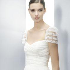Jesus Peiro wedding gown style 3071 detail shot