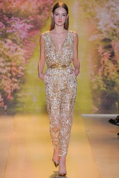 See the complete Zuhair Murad Spring 2014 Couture collection.