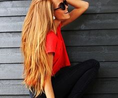 want this hair so bad! & love the simple but cute outfit.