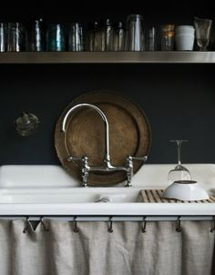 Skirted sinks...