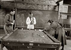 Shorpy Historical Photo Archive :: Corner Pocket: 1918