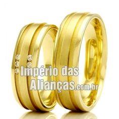 Alianças em ouro 18k Largura 6.0mm Pedras 6 diamantes de 1 ponto Acabamento Liso e friso fosco Formato Anatômico Peso 11 gramas O PAR