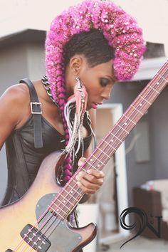 NIK WEST : Top female bassist and vocalist, Nik West