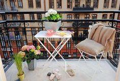 Modern Small Balcony Decoration, Design Ideas For 2014 Apartment Balcony Decorating, Apartment Balconies, Apartment Design, Diy Design, Patio Design, Interior Design, Design Ideas, Tiny Balcony, Balcony Garden