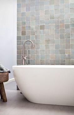 Terracotta will be trending in 2018 2018 Tile Trends – Terracotta tile in soft glazes Modern Bathtub, Modern Bathroom, Small Bathroom, Zebra Bathroom, Bathroom Wall, 1920s Bathroom, Bathroom Ideas, Bad Inspiration, Bathroom Inspiration