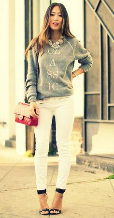 white pants / moleton