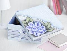 Caixa de violetas com fita: http://www.acrilex.com.br/tecnicaDetalhe.asp?id=391
