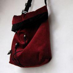 Vínová manžestrová s  aplikací Fanny Pack, Bags, Fashion, Hip Bag, Handbags, Moda, Fashion Styles, Waist Pouch, Fashion Illustrations