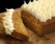 Carrot Cake Loaf, Loaf Cake, Bread Cake, Loaf Recipes, Baking Recipes, Uk Recipes, Chimney Cake, Cake & Co, Tea Cakes