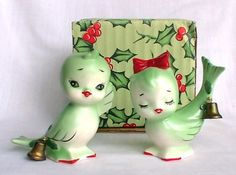 Holt Howard Christmas green bird salt & pepper shakers with bells.