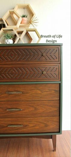 i painted this mid century modern dresser with annie sloan graphite