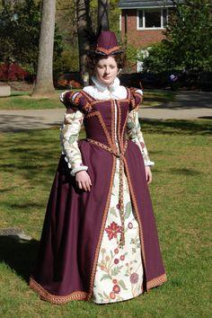 wonderful Elizabethian costume!